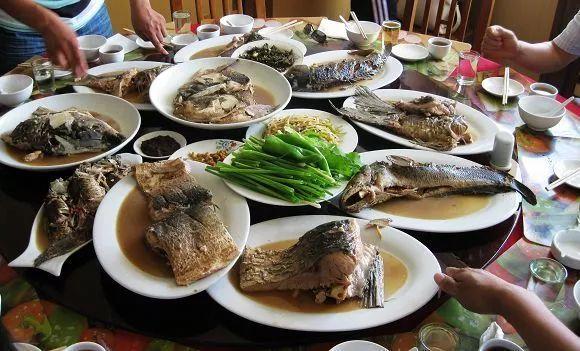 走进沙海明珠奈曼旗!全鱼宴,驴肉餐,沙地鸡,羊蝎子,蒙古果