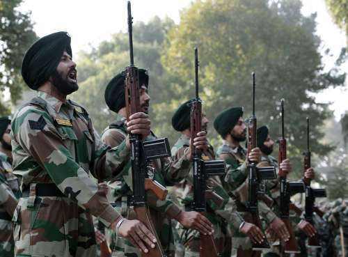 印度官员指出:印度军队仍然决定再向中印边境增派3.5万兵力