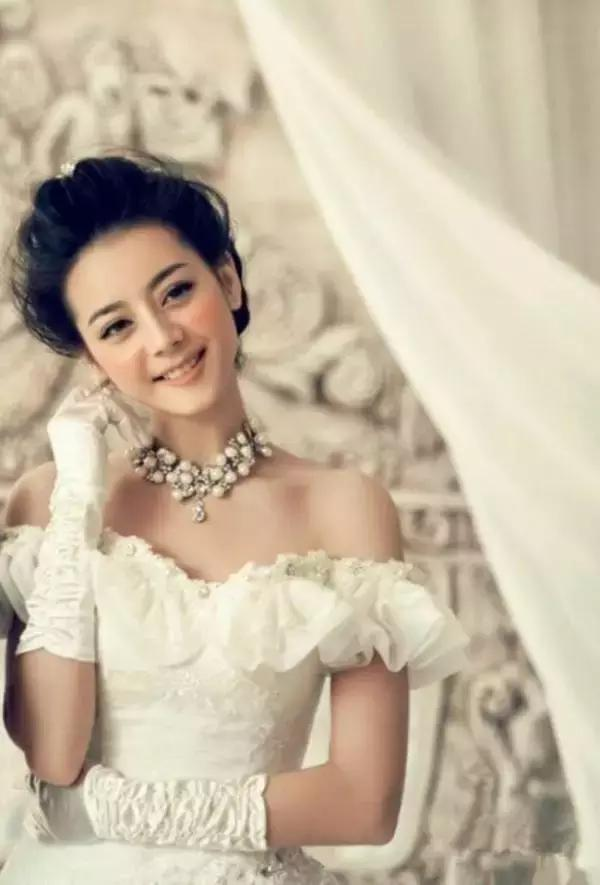 什么?迪丽热巴婚纱照